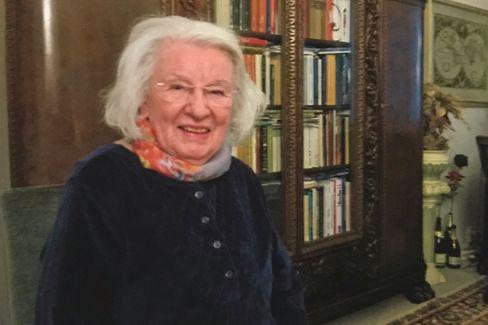 Ingrid Taegner (Jahrgang 1936) wurde Mathe- und Physiklehrerin in Ostberlin. 1961 wurde sie aus dem Schuldienst entlassen und erfuhr später von ihrer Bespitzelung durch die Stasi.