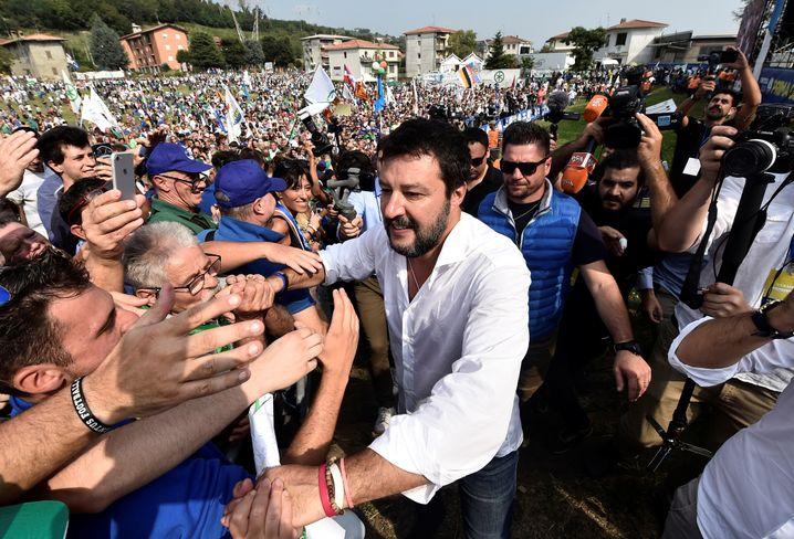 Wahlkämpfer Salvini (im September in Pontida): Machtverlust nicht geschadet