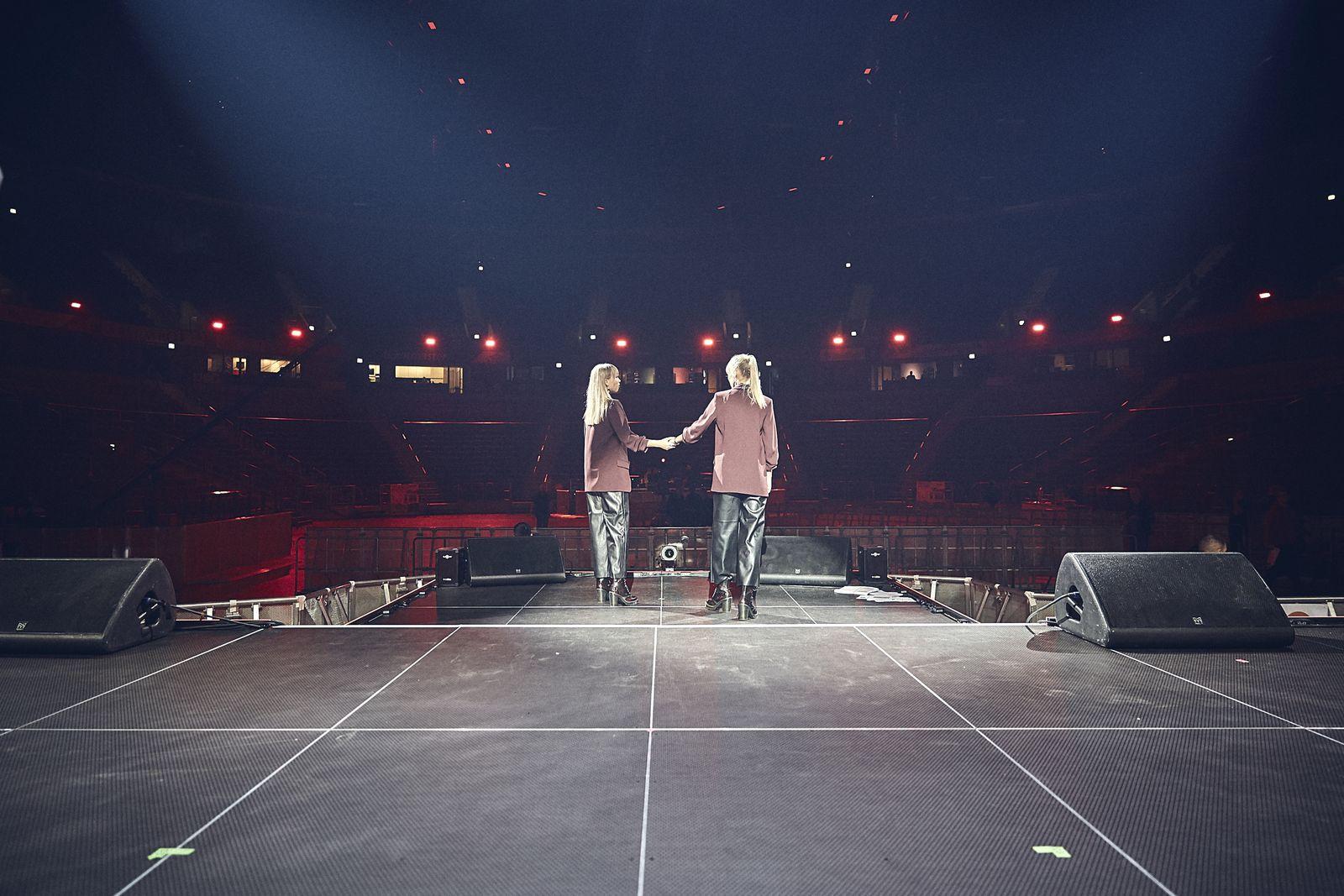 EINMALIGE VERWENDUNG Lisa und Lena at The Dome