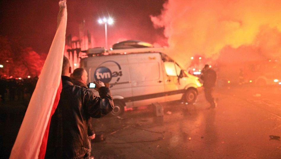 Feuer im Ü-Wagen: Insgesamt 15 Fahrzeuge wurden beschädigt