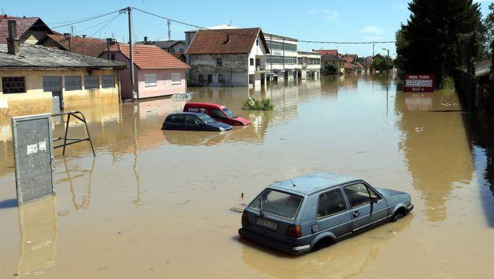 Überschwemmungen auf dem Balkan: Kampf gegen das Hochwasser