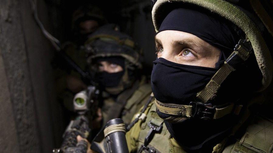 Israelische Soldaten in einem Hamas-Tunnel