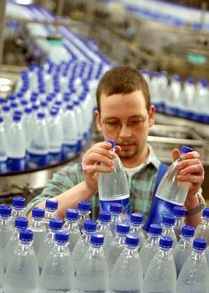 Mineralwasser in PET-Flaschen: Forscher finden Hormone