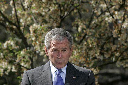 Präsident Bush: Mehr als 75 Ex-Militärs standen als TV-Experten in seinen Diensten