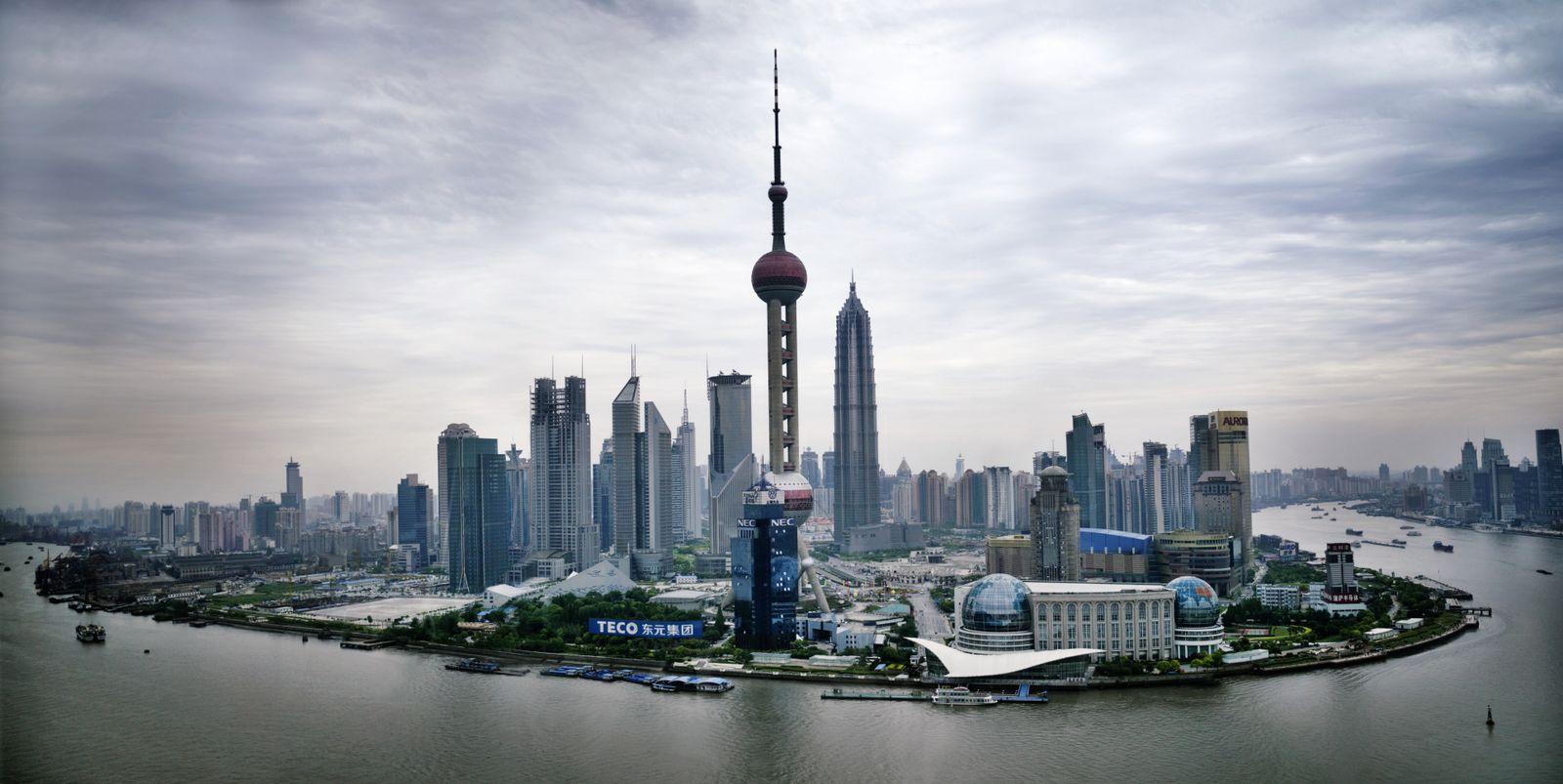 NICHT MEHR VERWENDEN! - für mmO-THEMENSEITE Chinas Wirtschaft // Shanghai / China / Skyline