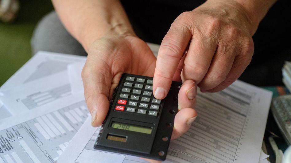Steuererklärung (Symbolbild): Steuerberater sind derzeit oft erheblich im Rückstand