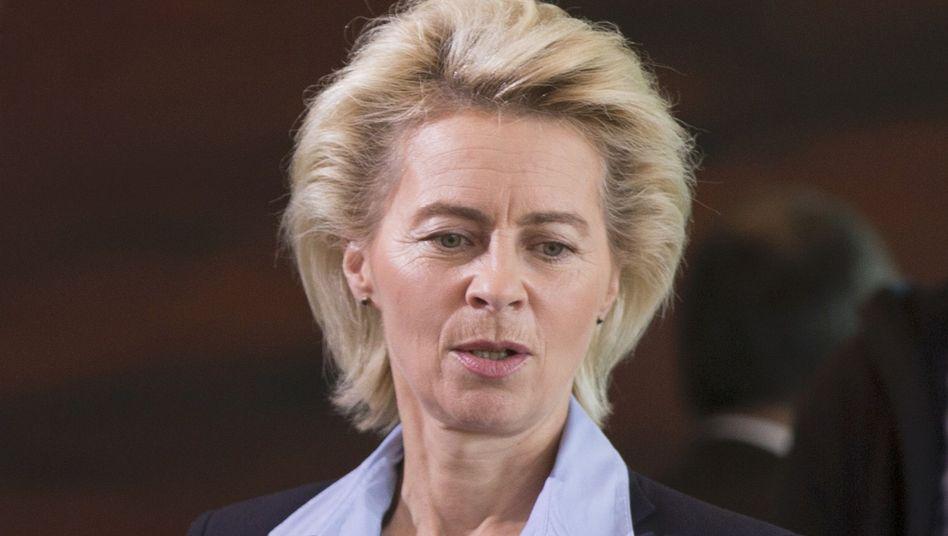 """Verteidigungsministerin von der Leyen am Dienstag in Berlin: """"Die Einführung einer Doktorarbeit ist keine Schreibübung"""""""