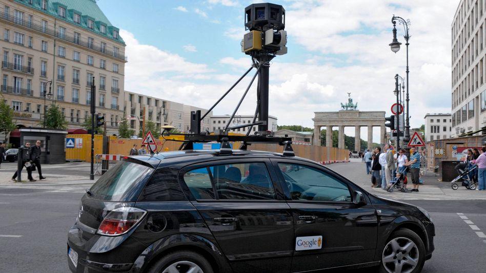 Google-Fahrzeug in Berlin: Seit Monaten Widerstand in Deutschland