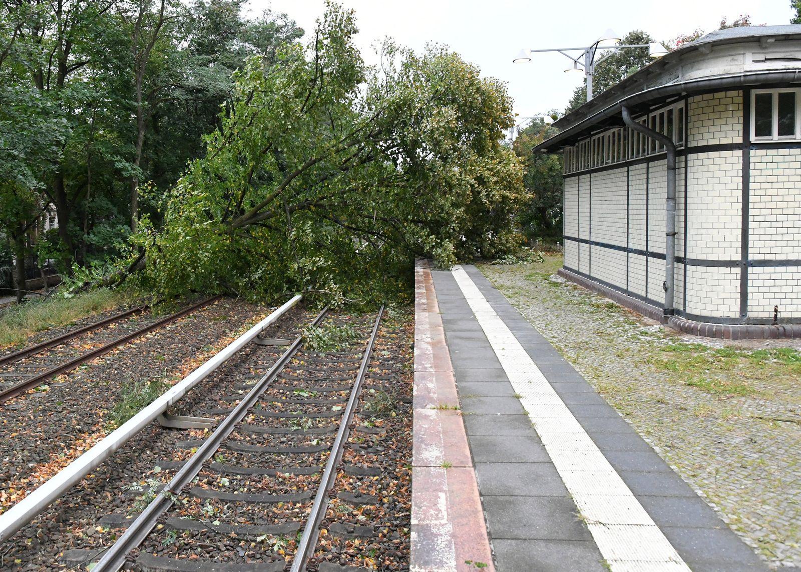 Sturmtief Xavier/ Bahnverkehr