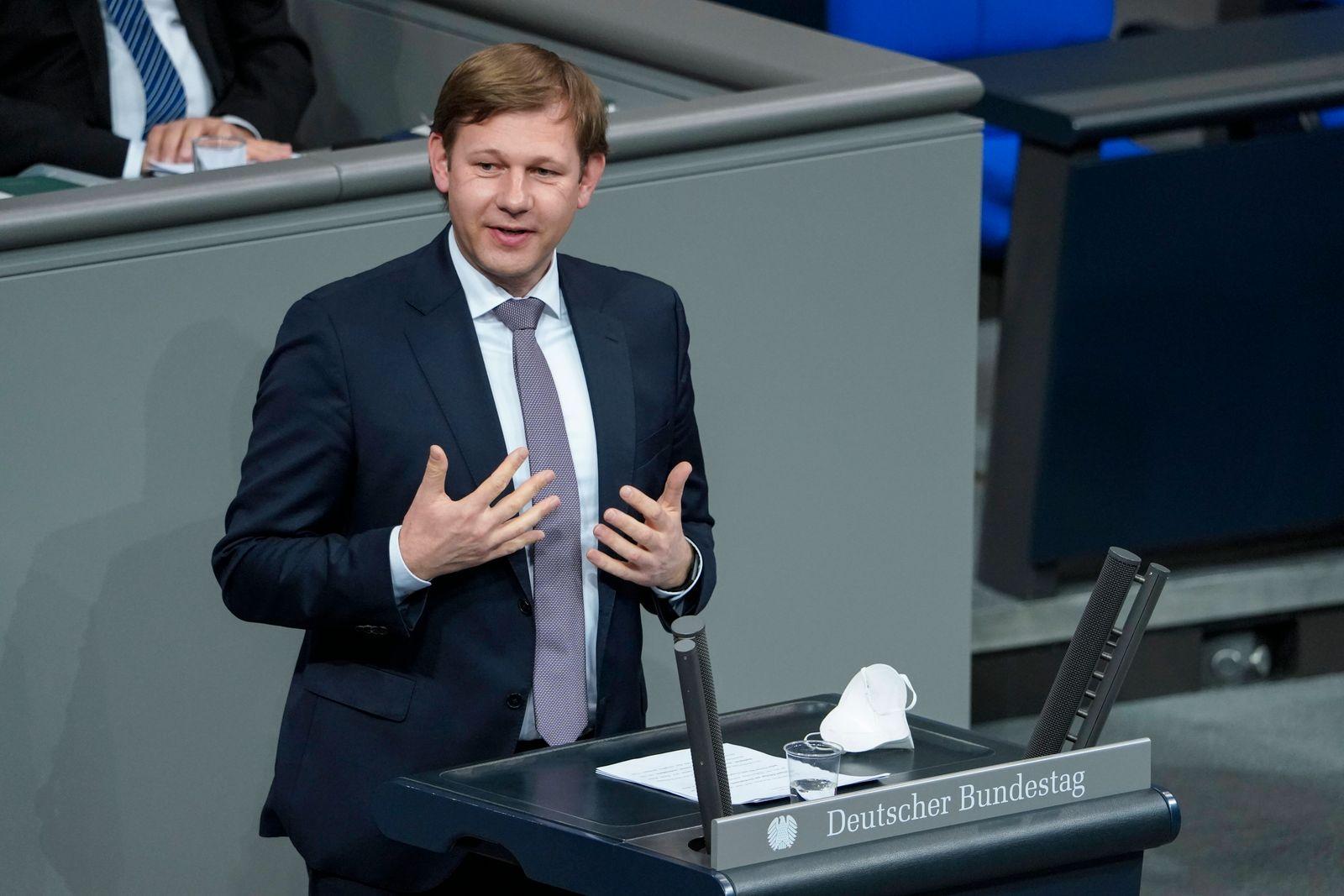 215. Bundestagssitzung und Debatte in Berlin Aktuell, 04.03.2021, Berlin, Thomas Erndl im Portrait bei seiner Rede zum T
