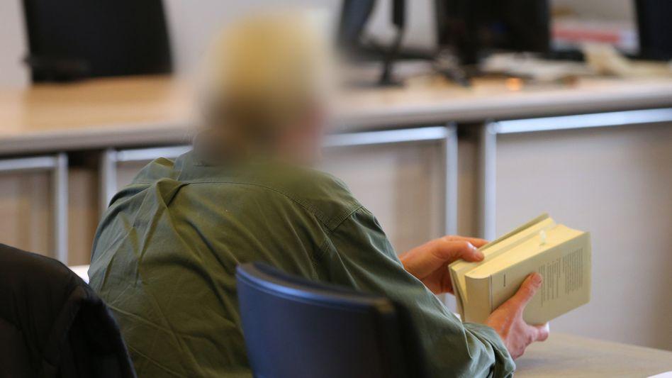 Ein Bild aus der Verhandlung in der vergangenen Woche: Nun hat das Gericht den 54-jährigen ehemaligen Lehrer verurteilt