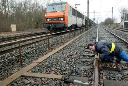 Ende der Bombendrohungen: Die französischen Bahnmitarbeiter können aufatmen