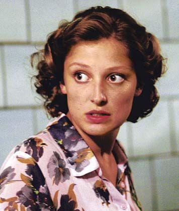 Schauspielerin Lara als Traudl Junge: Rehäugige Beobachterin