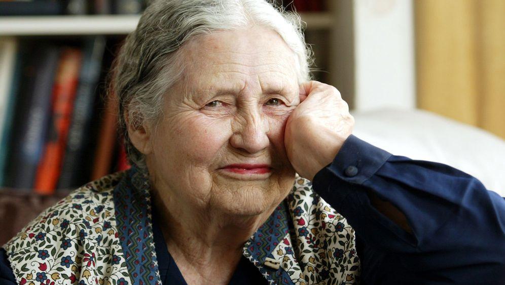 Literaturnobelpreisträgerin Lessing: Kritisch, feministisch, preisgekrönt