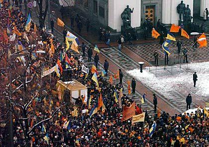 Massenauflauf vor dem Parlament: Zehntausende warteten auf den Spruch der Abgeordneten