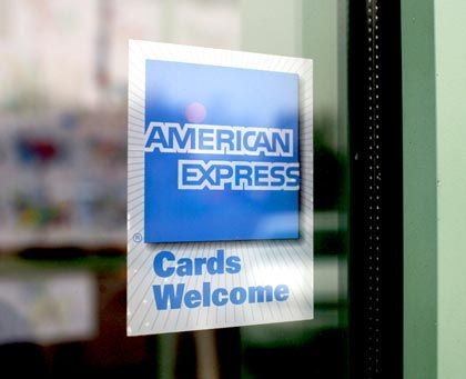 American-Express-Logo: Verstärkte Sparbemühungen