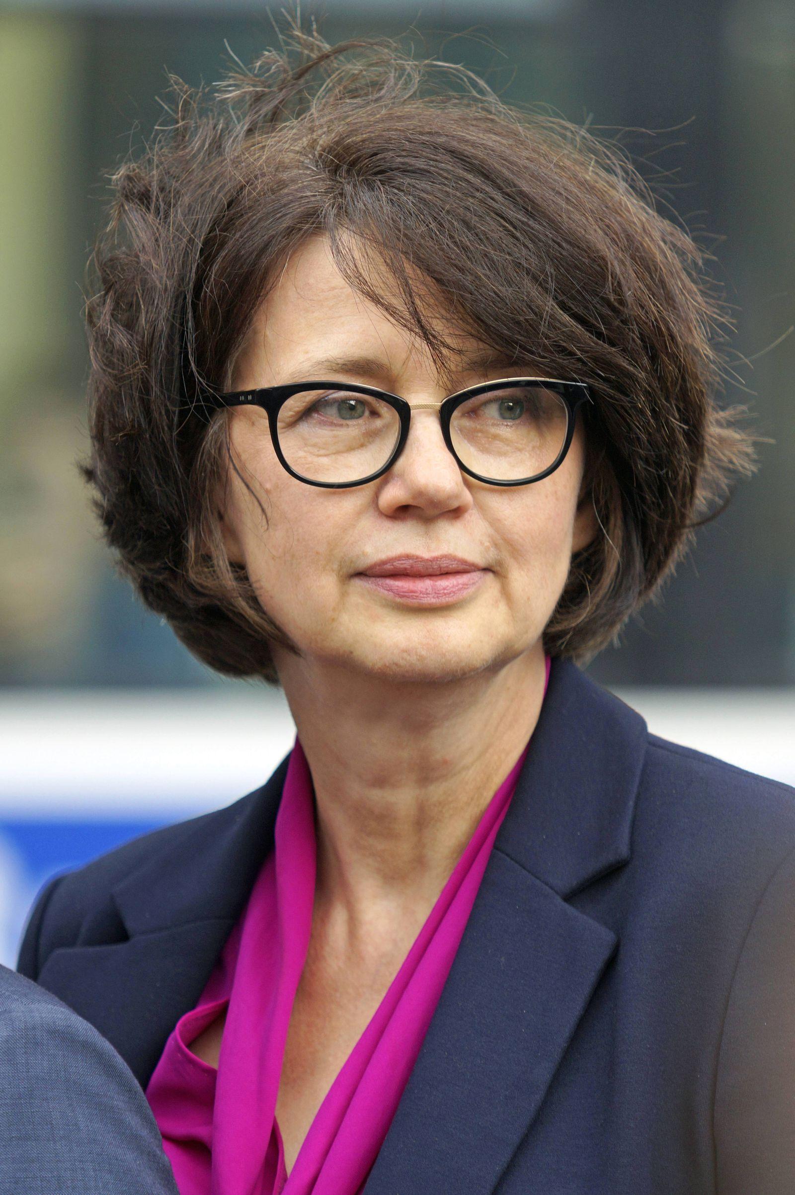 Die neue Bremer Senatorin f¸r Gesundheit Frauen und Verbraucherschutz Claudia Bernhard Linke am