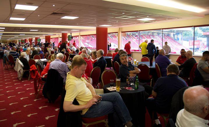 Charlton-Fans im Stadion