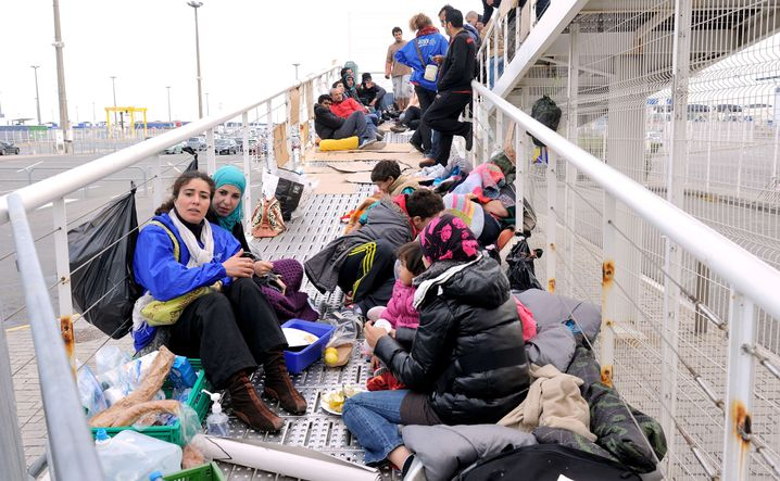 Syrian refugees on the way to Great Britain.