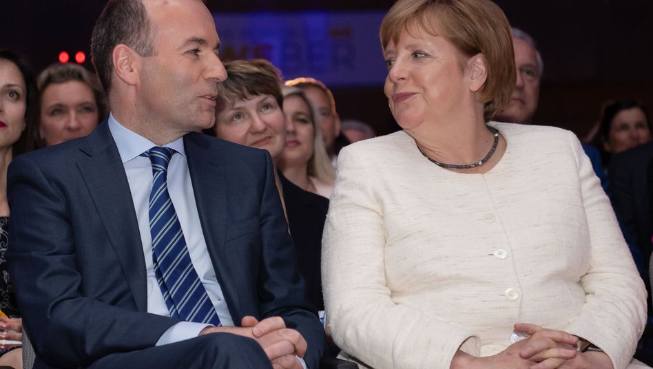 Manfred Weber und Angela Merkel: Hartes Ringen um einen der Topjobs der EU