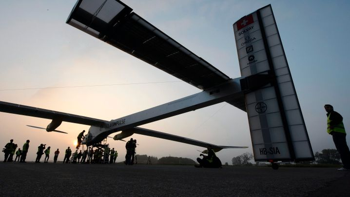 """""""Solar Impulse"""": Fernflüge mit Sonnenenergie"""