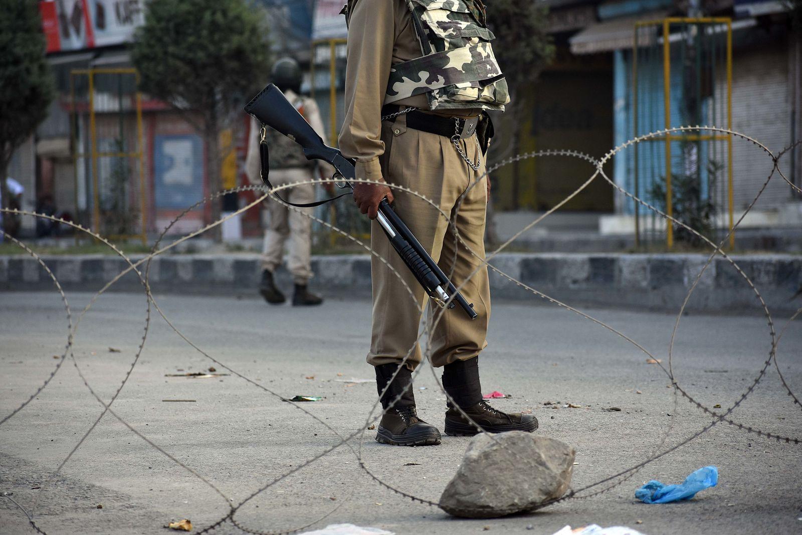 Sperrstunde Einschränkungen in Kaschmir