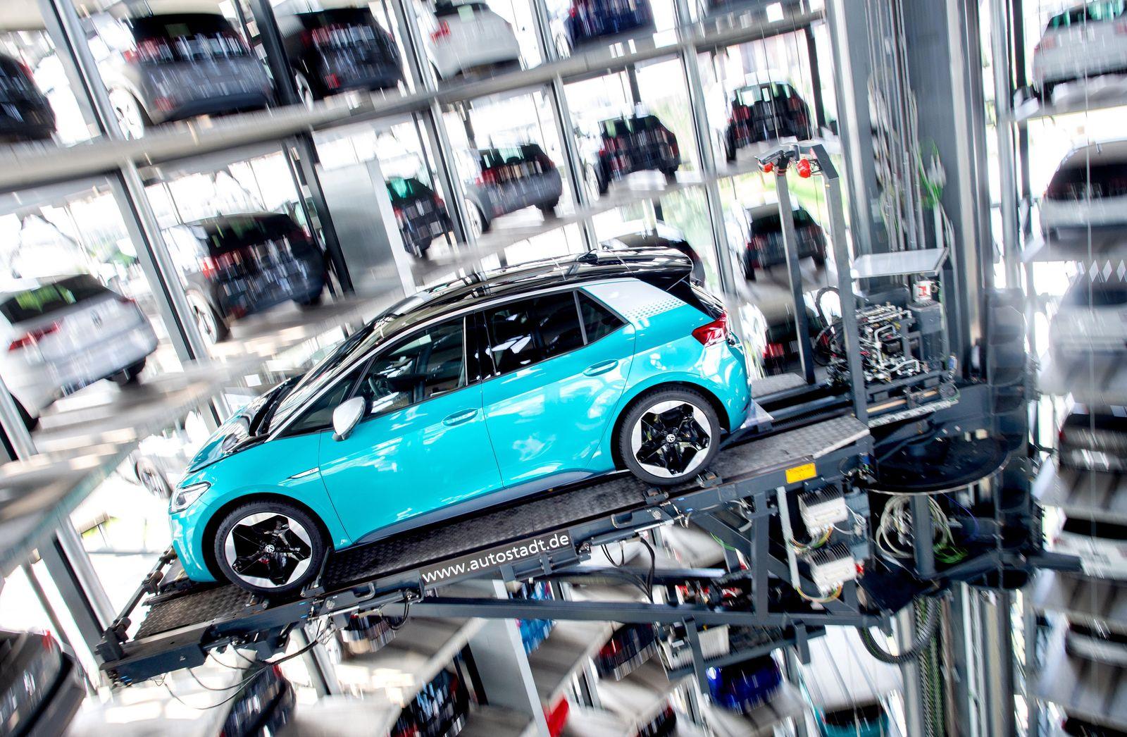 Auslieferung der ersten Volkswagen-Elektroautos ID.3