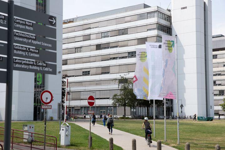 Blick auf Gebäude der Universität Bielefeld: Der 1969 gegründete Campus hat über 24.000 Studierende