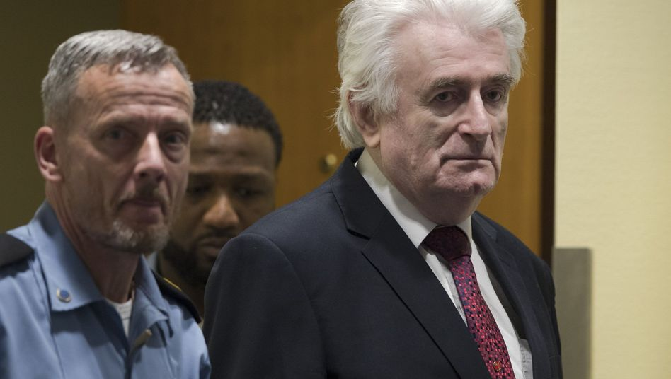 Radovan Karadzic im Gerichtssaal