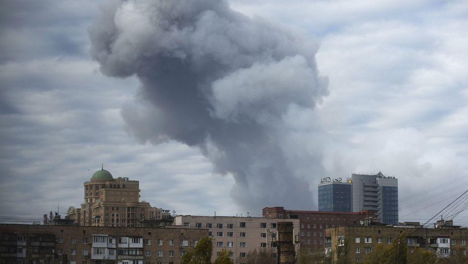 Rauchschwaden über Donezk am 20. Oktober 2014