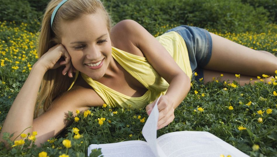 Glücksstudie: Verbandelten Frauen geht es deutlich besser als männlichen Singles