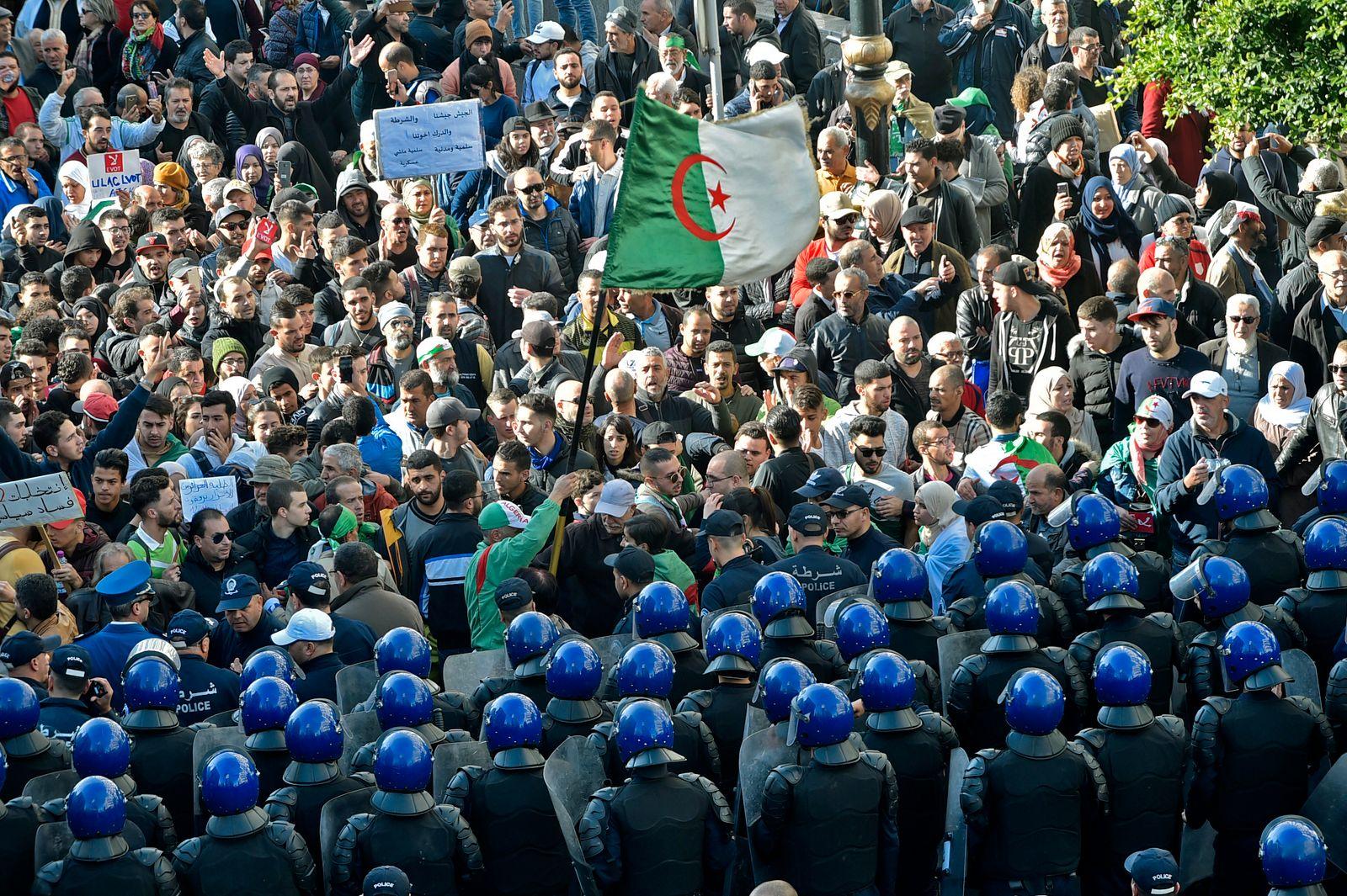 ALGERIA-POLITICS-PROTEST