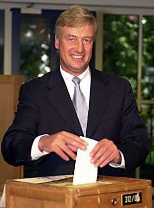 Ole von Beust im Herbst 2001: In acht Wochen beginnt in Hamburg der diesjährige Wahlmarathon