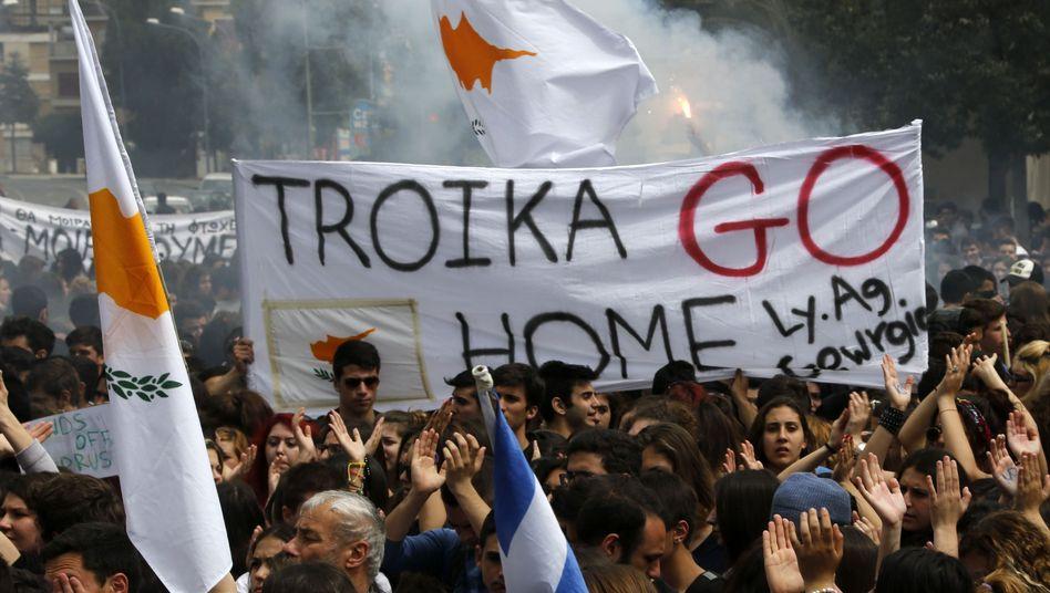 """Anti-Troika-Protest in Zypern: """"Keine funktionierende Alternative"""""""