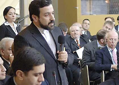 Irans Vize-Außenminister Abbas Araghchi (auf der Münchner Sicherheitskonferenz): Zivilisiertes Auftreten, knallharte Pläne
