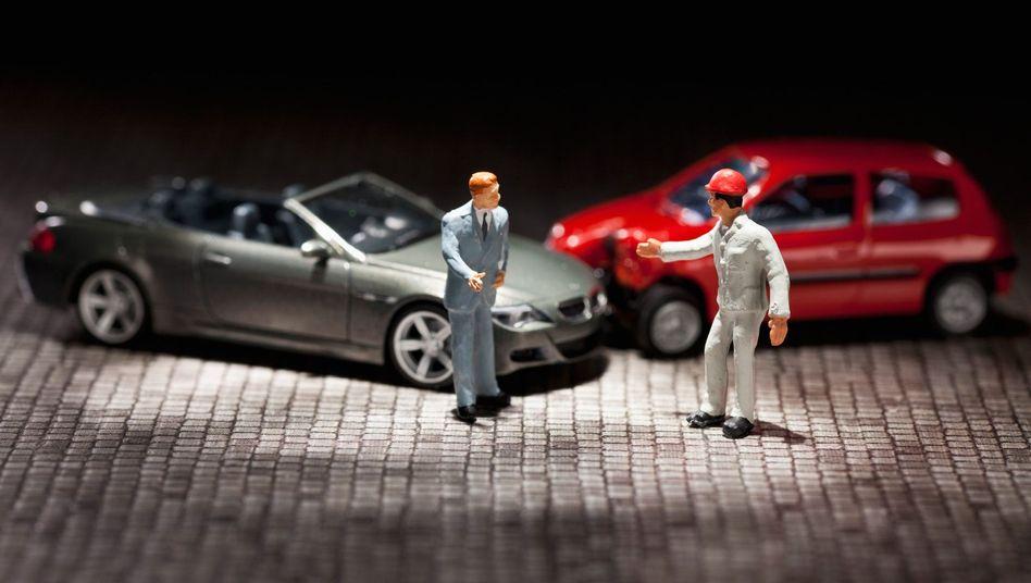 Nachgestellte Unfallsituation: Die Blackbox im Auto speichert Daten zum Hergang