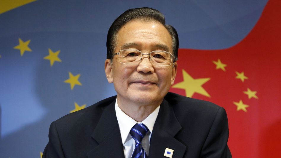 Chinese Premier Wen Jiabao has offered help to the US and Europe -- at a price.