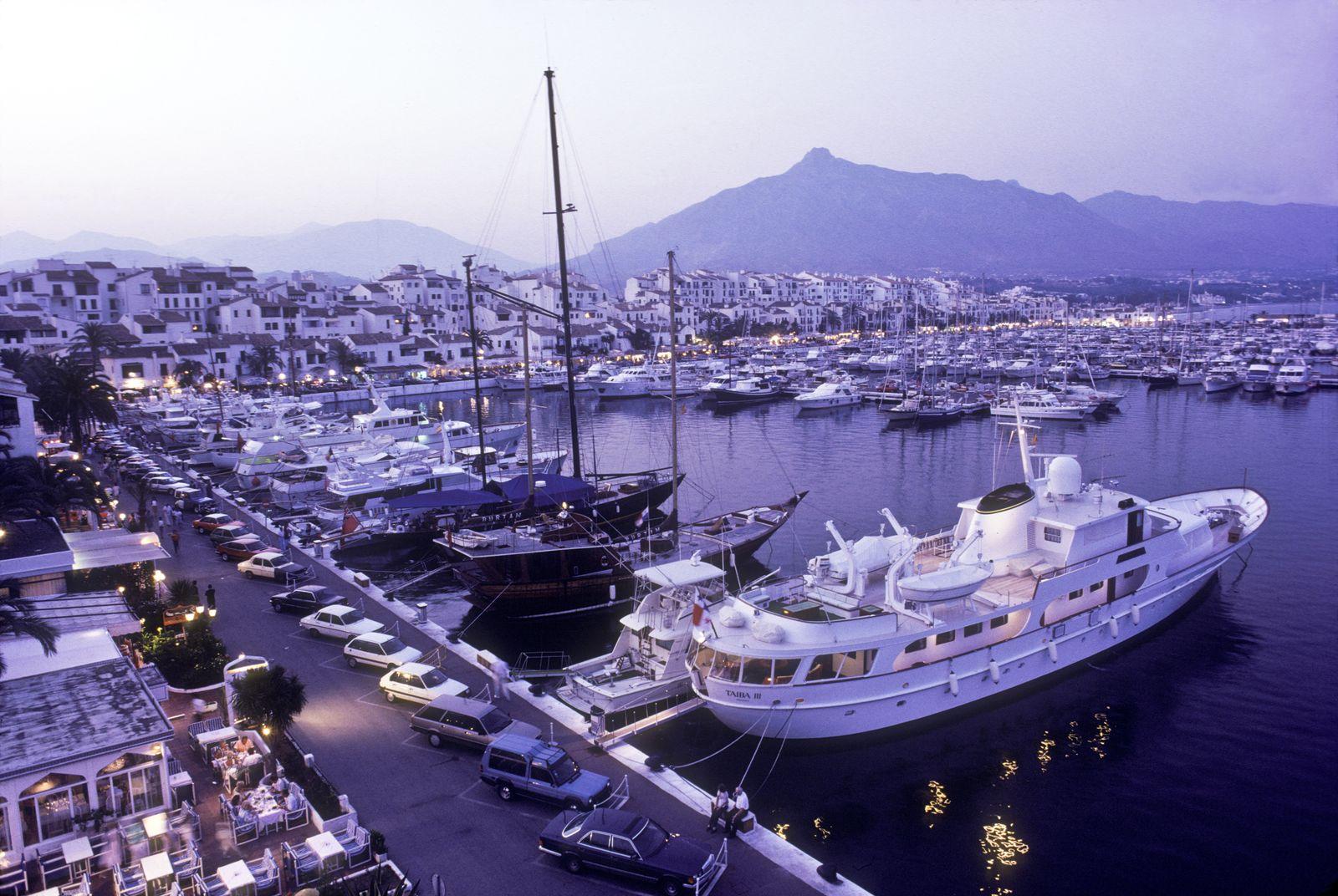NICHT MEHR VERWENDEN! - Marbella, Spanien / Hafen