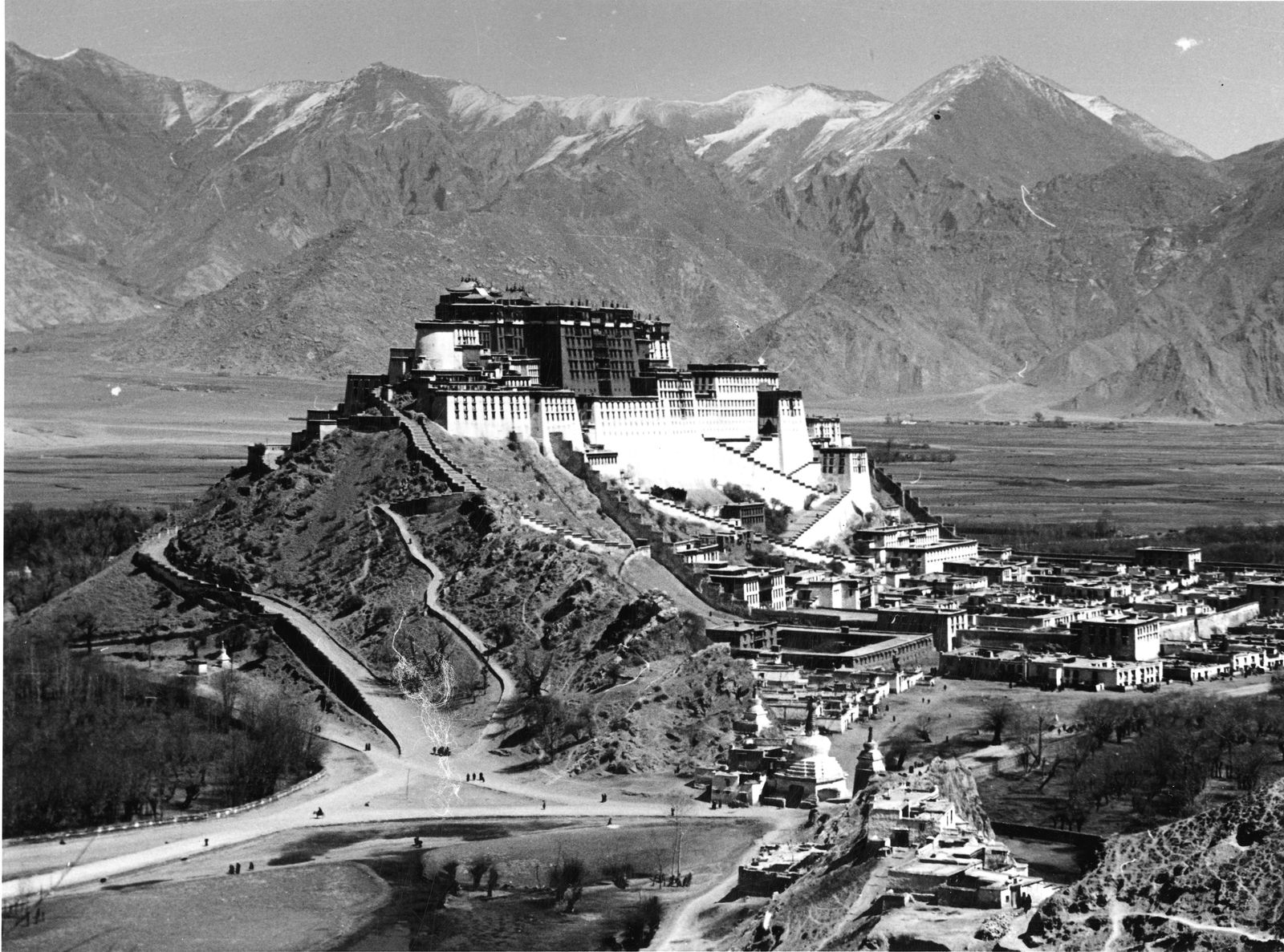 EINMALIGE VERWENDUNG SPIEGEL Plus 13/2017 s. 106 Potala-Palast Lhasa