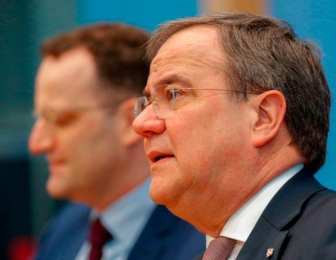 CDU-Chefbewerber Laschet (r.), Teampartner Spahn