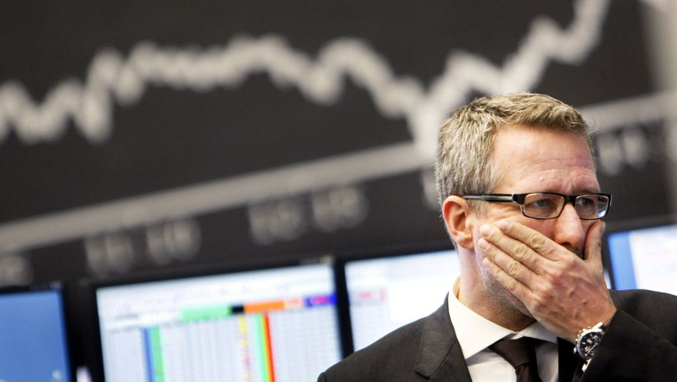 Börsenmakler an der Frankfurter Börse: Auch sie können Crashs oft nicht abfedern - und verlieren dann das Geld vieler Anleger