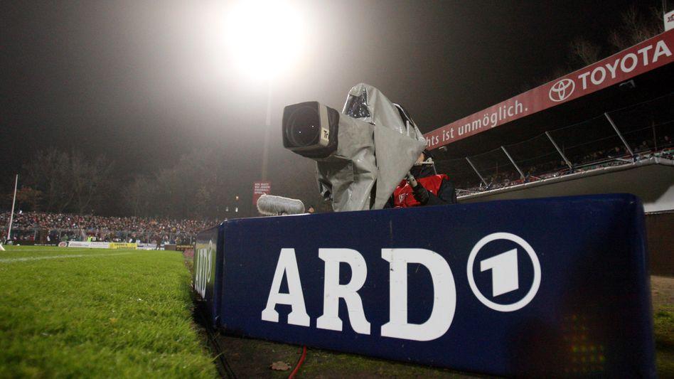 Auch 2018 wie gewohnt am Spielfeldrand: Kameras von ARD und ZDF