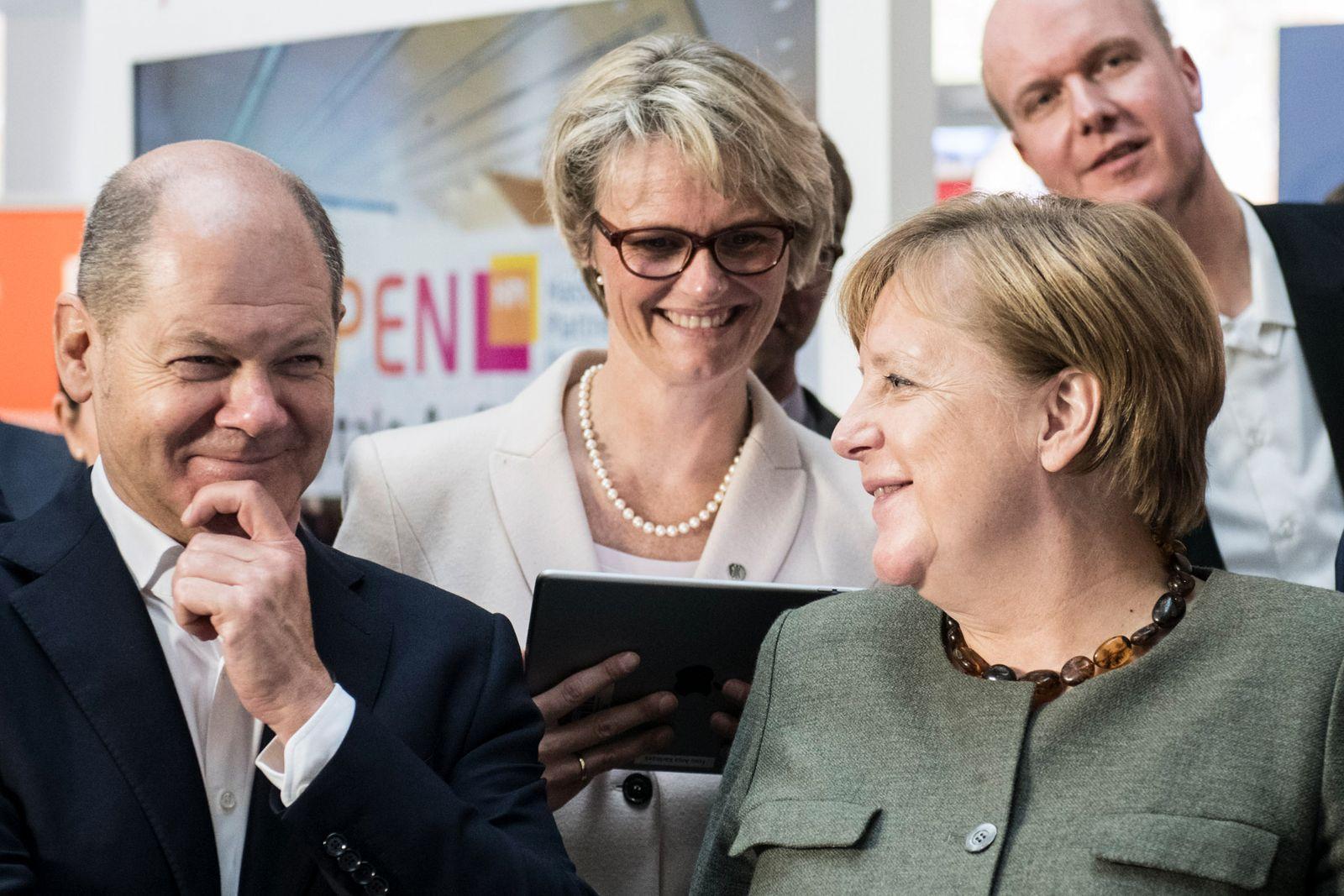 Scholz, Merkel, Kabinettsklausur