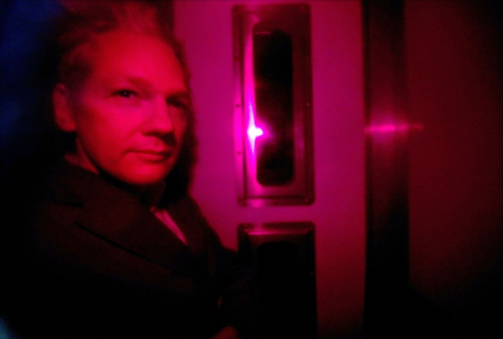 Assange/ Gefangenentransporter