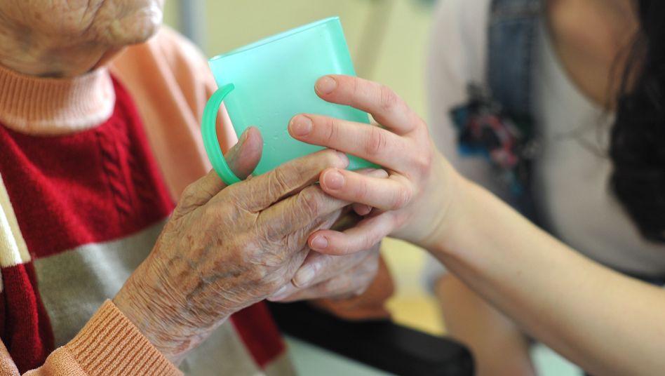 Pflege: Auch eine Gelegenheit für kriminelle Geschäfte