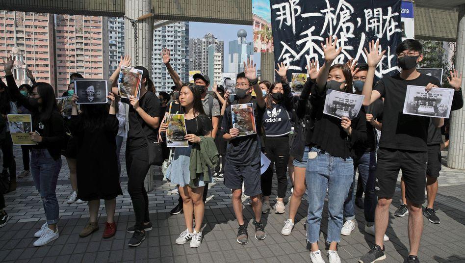 Protestierende Studenten in Hongkong: Sie werfen der Polizei Brutalität vor