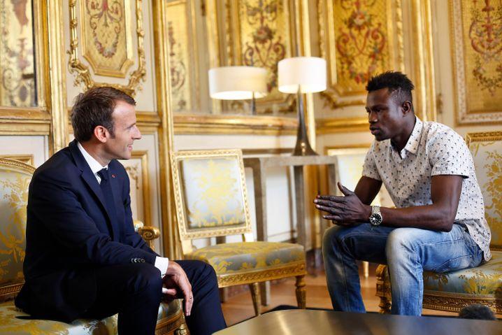 Emmanuel Macron und Mamoudou Gassama (Mai 2018)