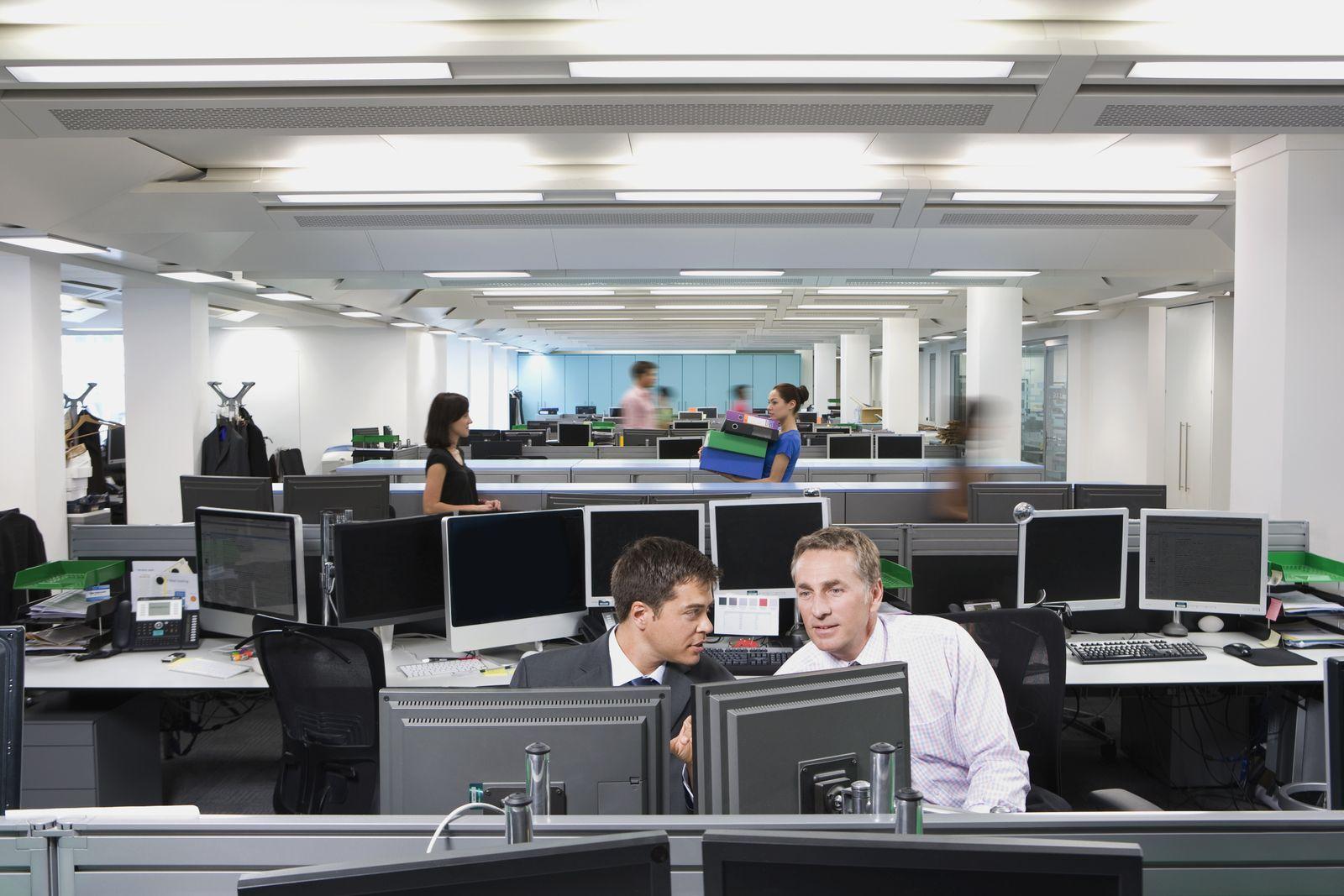 NICHT MEHR VERWENDEN! - Großraumbüro / Kollegen / Büroarbeit / Büroalltag