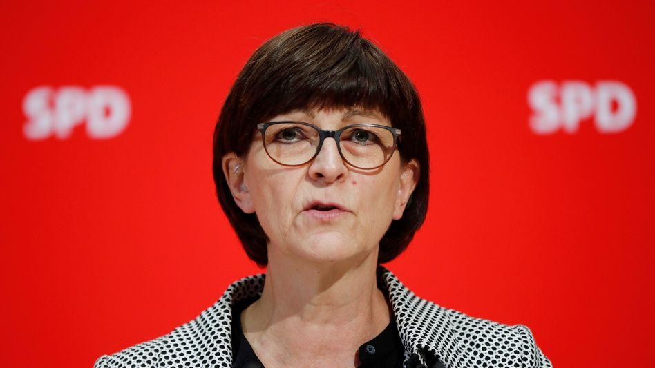 """SPD-Chefin Sakia Esken findet, eine einmalige Abgabe durch besonders wohlhabende Bürger sei """"eine der Möglichkeiten, die Staatsfinanzen nach der Krise wieder in Ordnung zu bringen"""""""