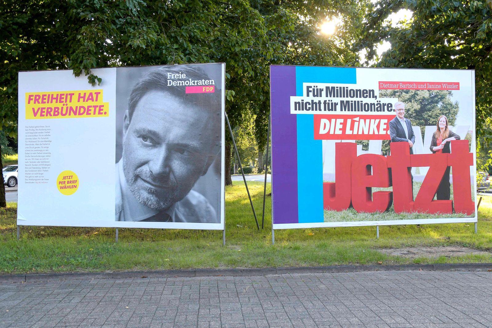 Wahlplakate - Bundestagswahl 2021 am 31.08.2021 in Oberhausen Wahlplakat der FDP ( Freie Demokratische Partei ) mit der